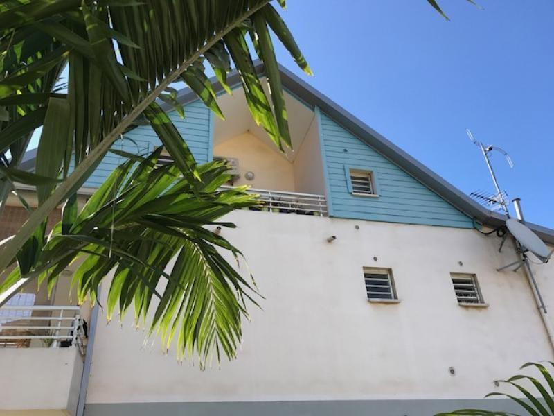Sale apartment St pierre 101650€ - Picture 1