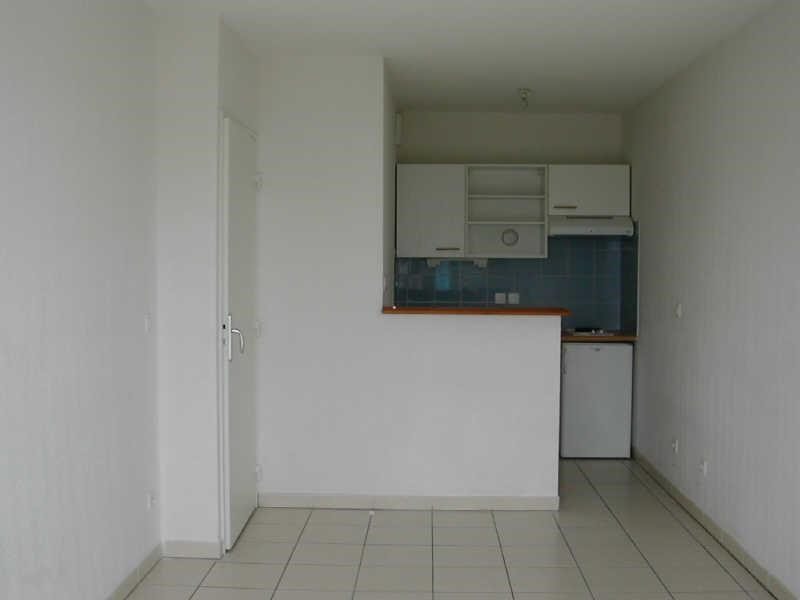 Rental apartment Blaye 355€ CC - Picture 1
