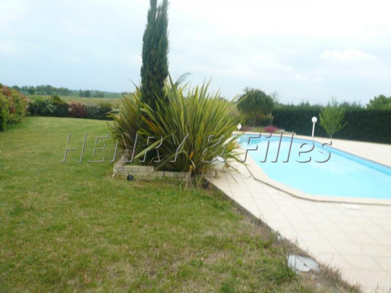 Sale house / villa L'isle jourdain 5 km 388000€ - Picture 7
