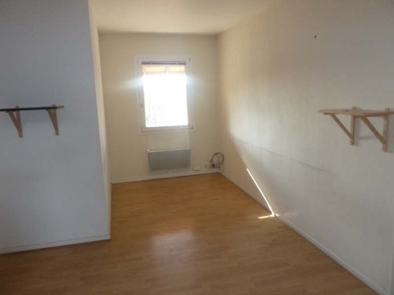 Sale building L'isle d'abeau 636 000€ - Picture 2