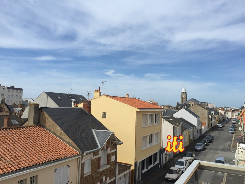 Sale apartment Les sables d olonne 158 200€ - Picture 1