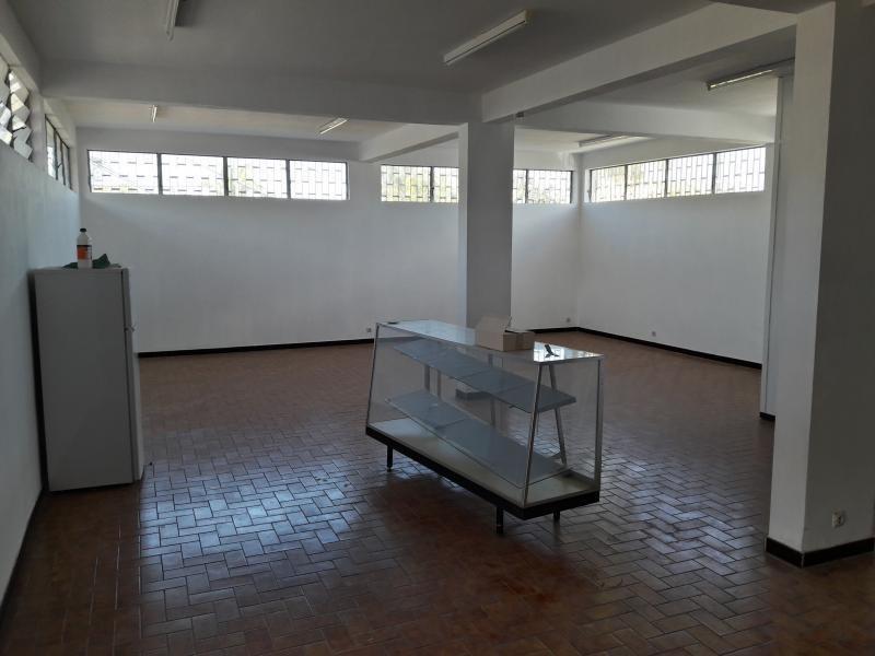Rental empty room/storage Bois de nefles st paul 1000€ +CH/ HT - Picture 2