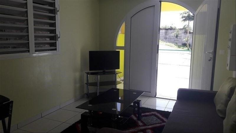 Rental apartment Ste anne 750€ CC - Picture 3