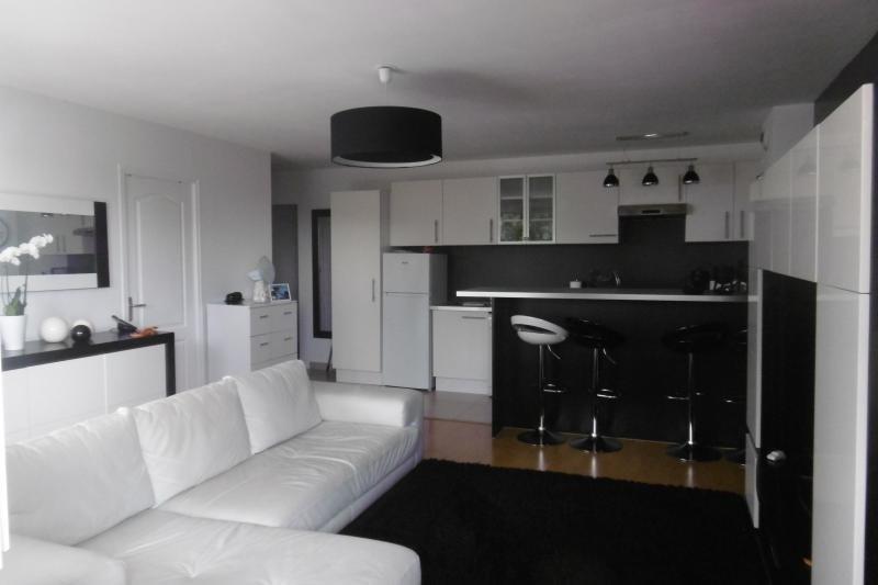 Sale apartment Noisy le grand 249000€ - Picture 2
