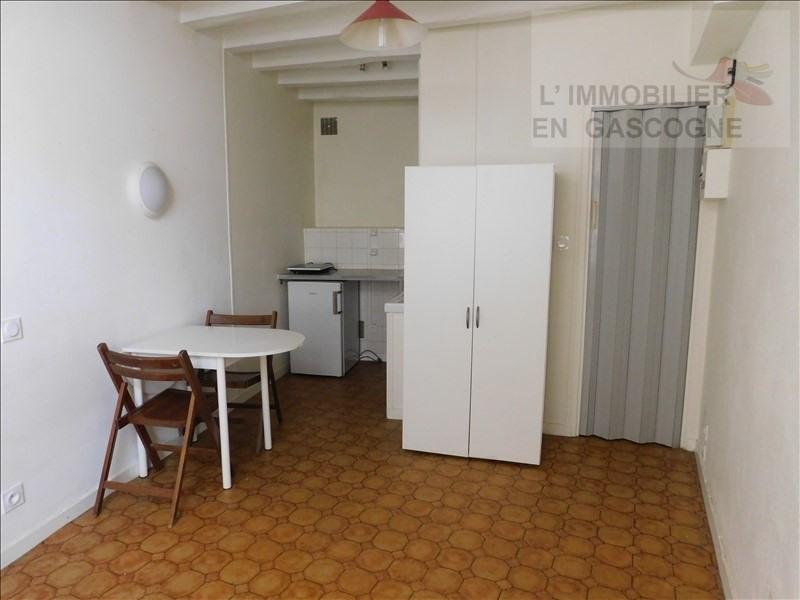 Rental apartment Auch 240€ CC - Picture 1
