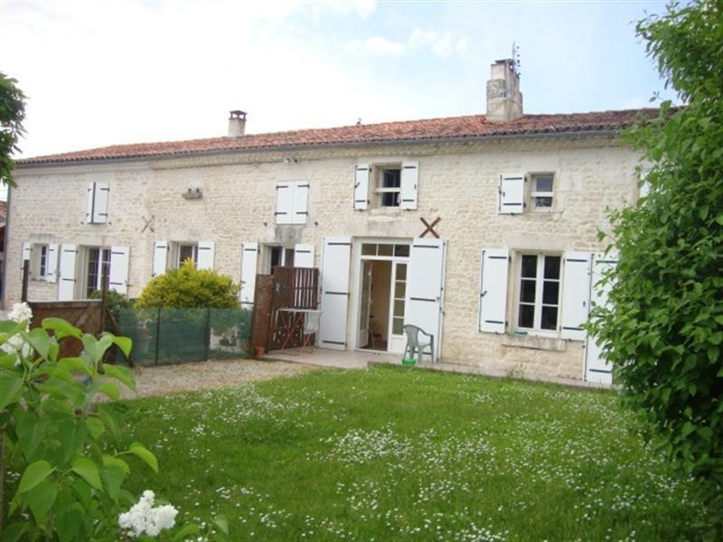Sale house / villa Saint-jean-d'angély 190800€ - Picture 3