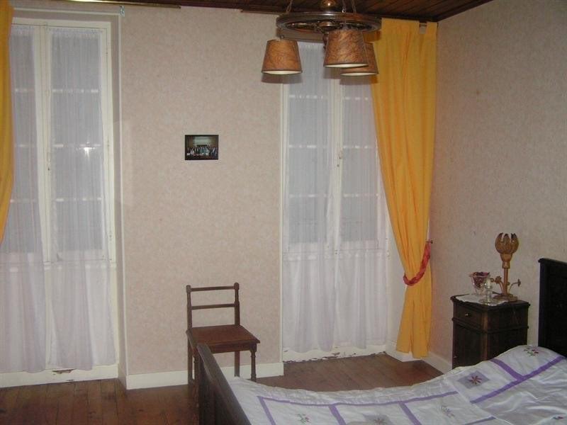 Sale house / villa Montguyon 265000€ - Picture 8