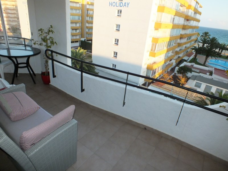 Location vacances appartement Rosas-santa-margarita 368€ - Photo 4