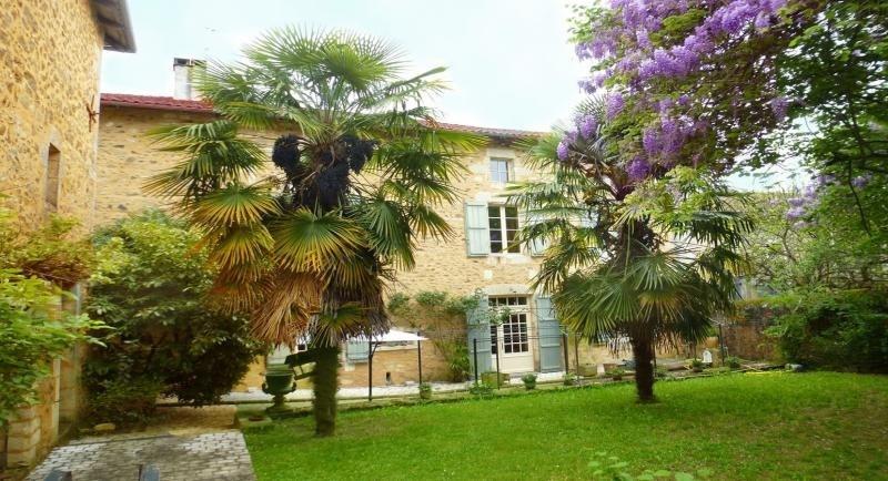 Deluxe sale house / villa Nontron 682500€ - Picture 1