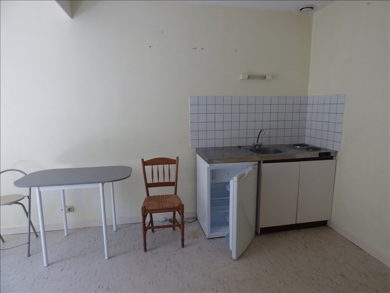 Location appartement Guingamp 210€ CC - Photo 2