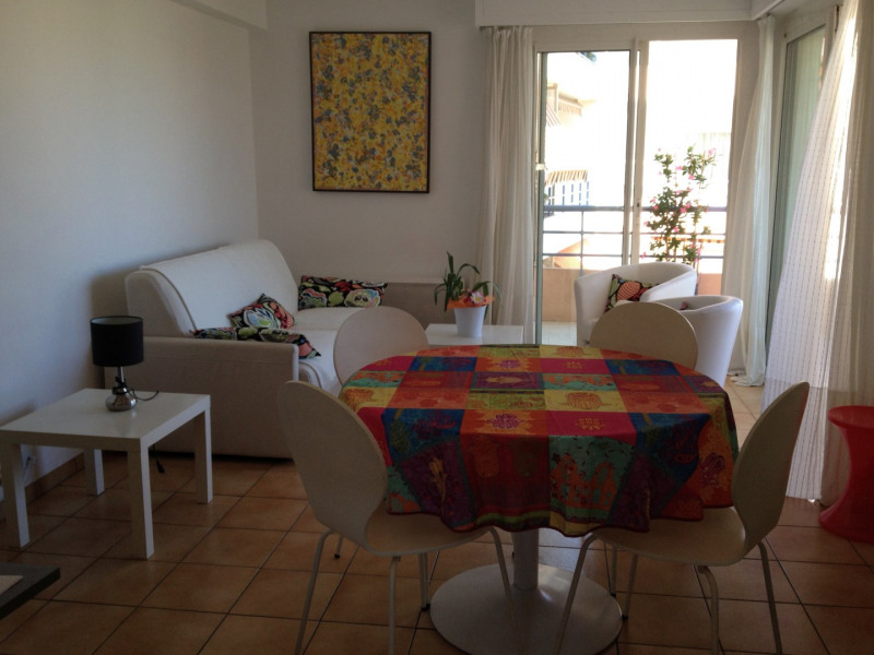 Vacation rental apartment Cavalaire sur mer 1 000€ - Picture 1