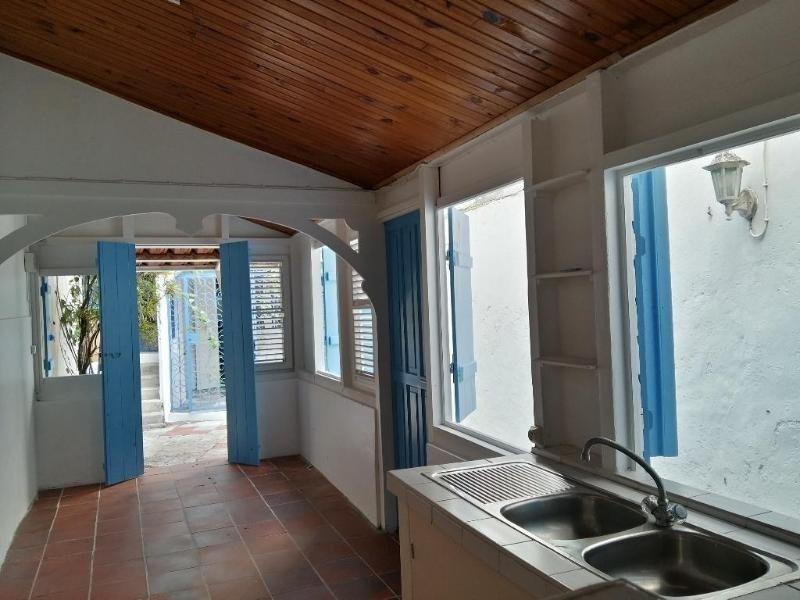 Sale building Fort de france 296800€ - Picture 4