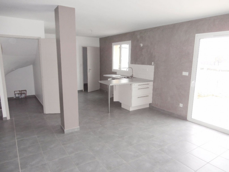 Location maison / villa Bourgoin jallieu 870€ CC - Photo 4