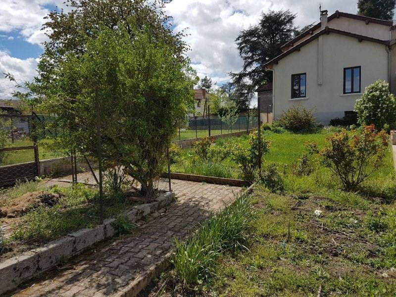 Sale house / villa Chazelles sur lyon 155000€ - Picture 1