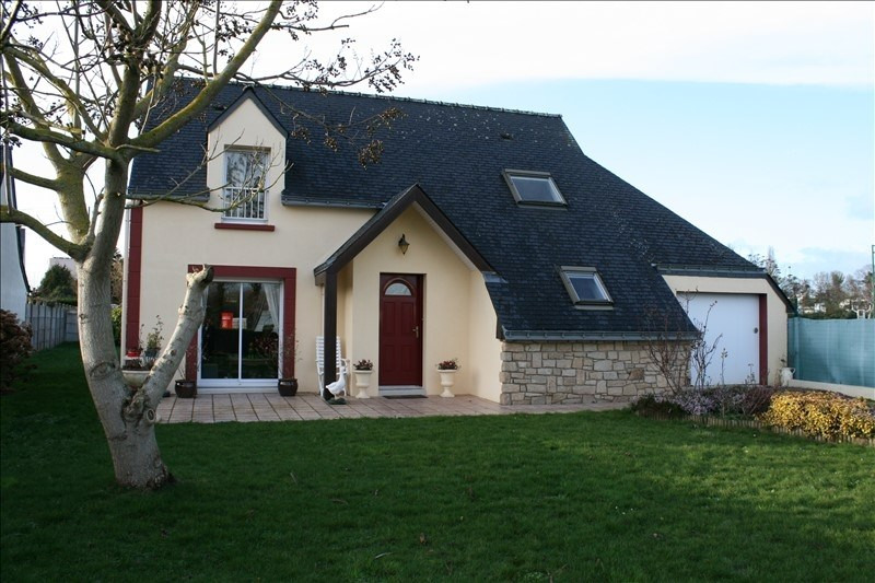 Sale house / villa Josselin 189000€ - Picture 1