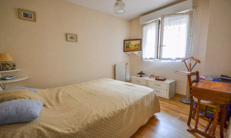 Sale apartment Plaisir 175 000€ - Picture 5
