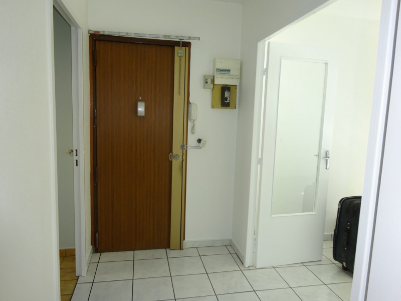 Alquiler  apartamento Lyon 7ème 860€ CC - Fotografía 3