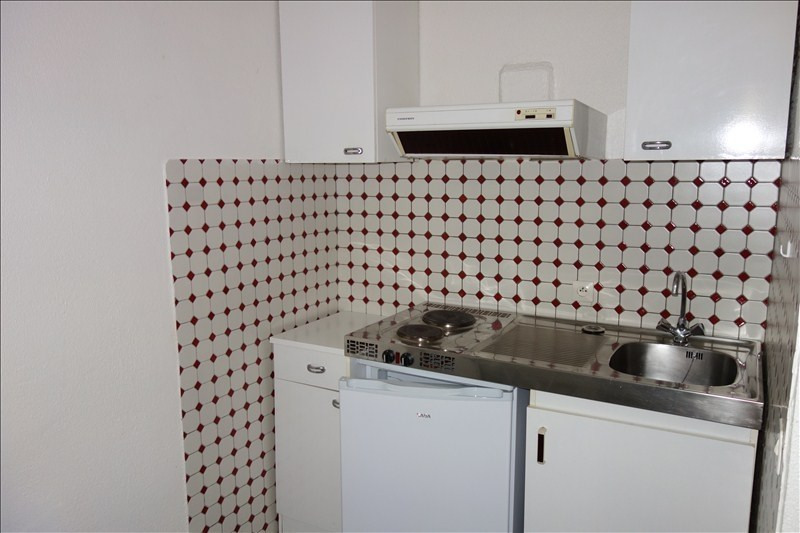 Rental apartment Pau 330€ CC - Picture 3