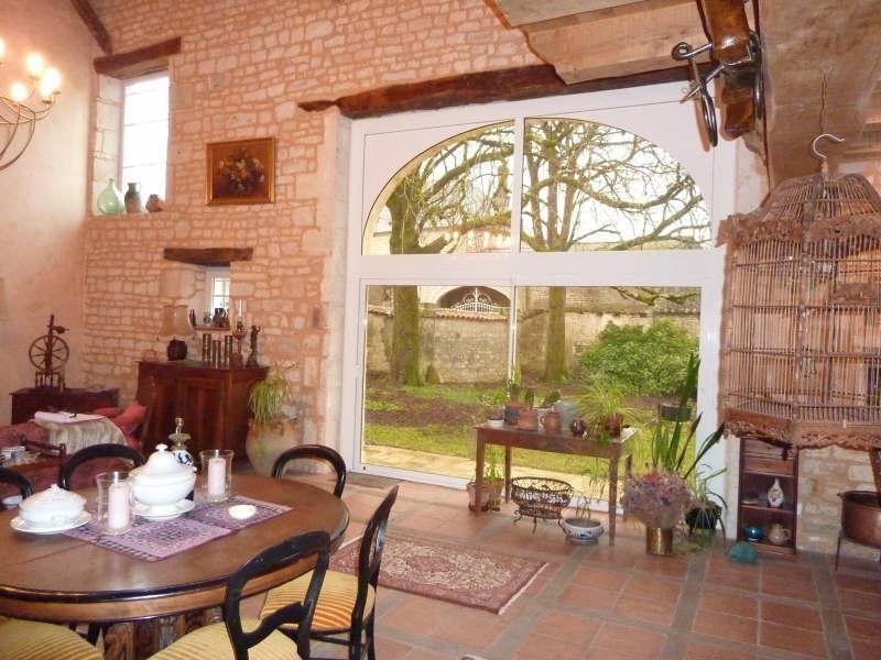 Sale house / villa Aigre 399000€ - Picture 3