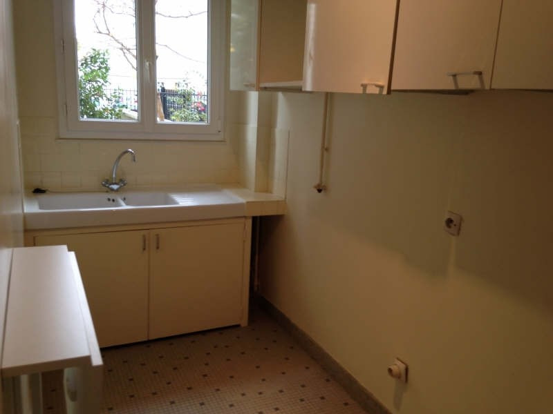 Rental apartment Courbevoie 764€ CC - Picture 3
