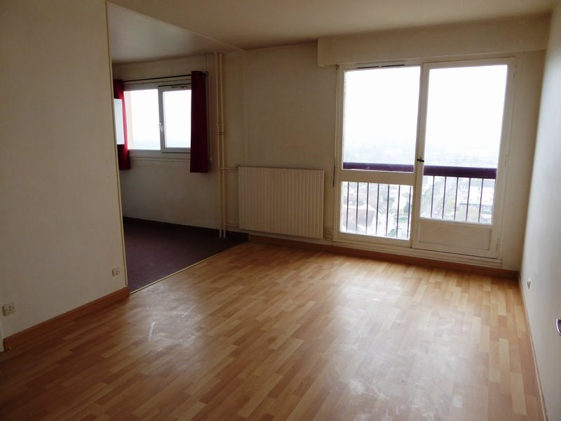 Rental apartment Maurepas 570€ CC - Picture 1