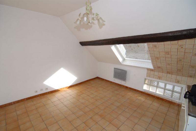 Rental apartment La ville du bois 520€ CC - Picture 2