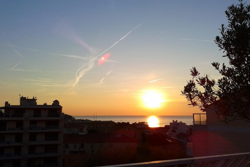 Sale apartment Antibes 799000€ - Picture 3