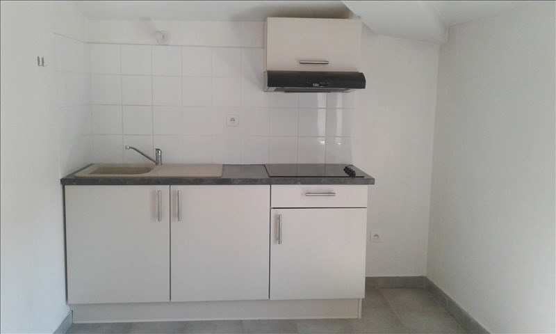 Location appartement Neuville sur saone 390€ CC - Photo 3