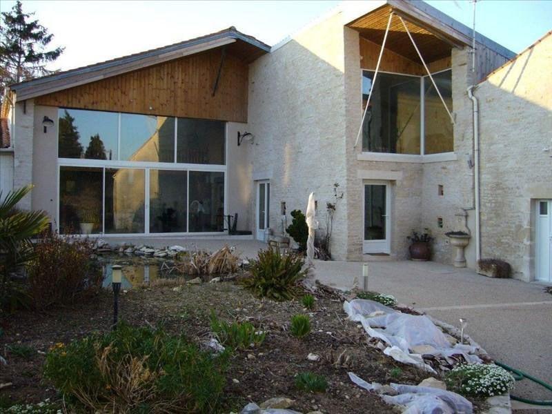Vente maison / villa Saint-hilaire-la-palud 390000€ - Photo 1