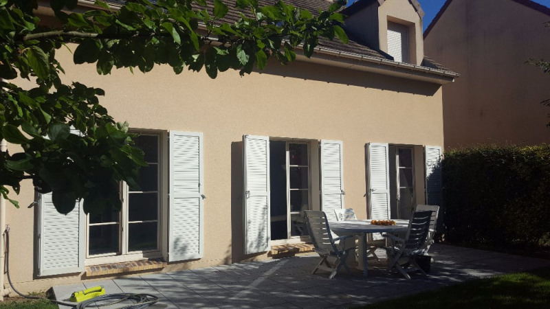 Rental house / villa Chambourcy 2 550€ CC - Picture 1