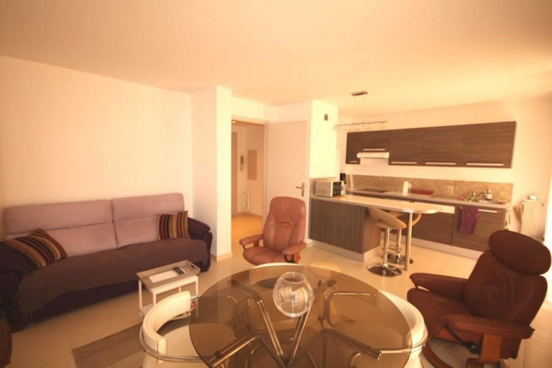 Sale apartment Juan les pins 212000€ - Picture 1
