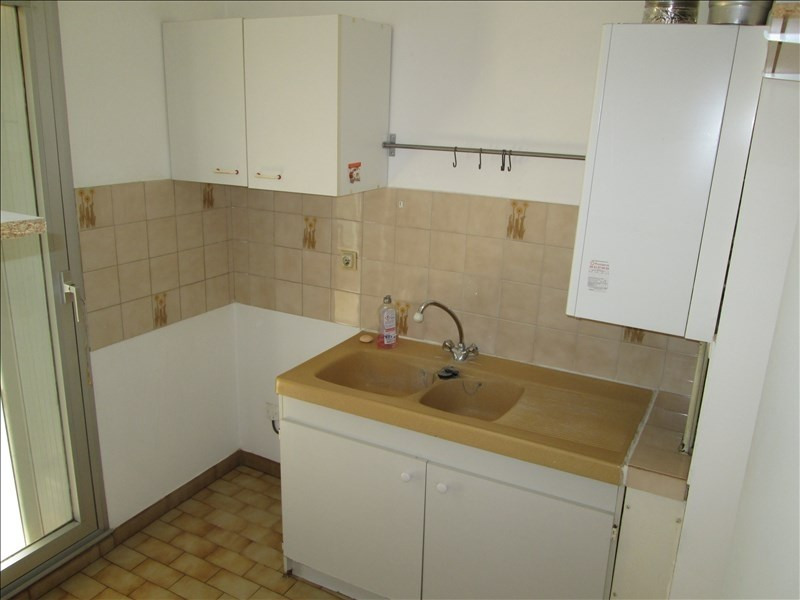 Location appartement Sete 569€ CC - Photo 3