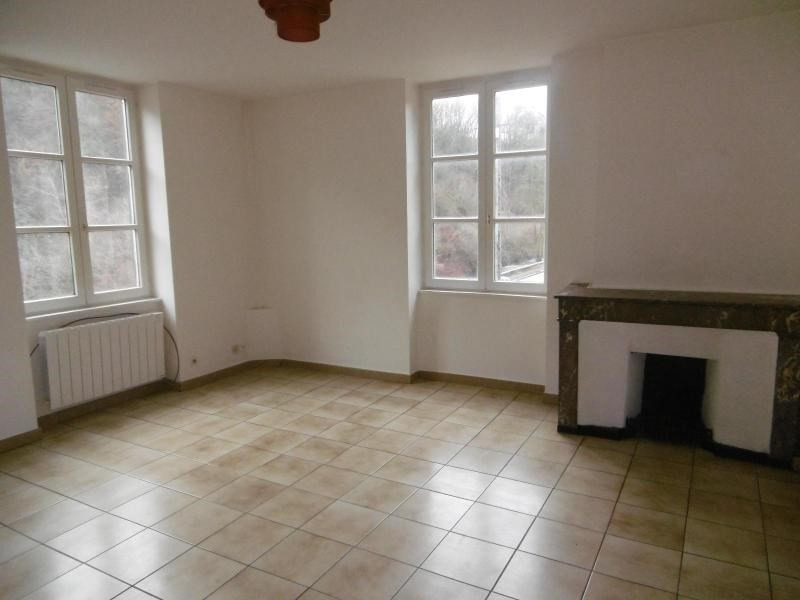 Location appartement Sain bel 559€ CC - Photo 1