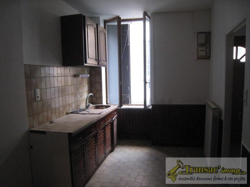 Sale house / villa Puy guillaume 65 400€ - Picture 5