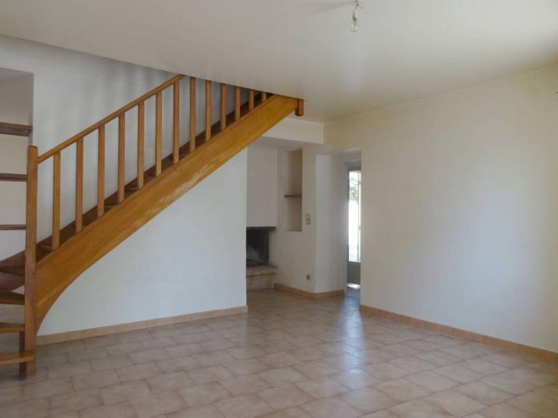 Location maison / villa Saint-saturnin-les-avignon 868€ CC - Photo 2