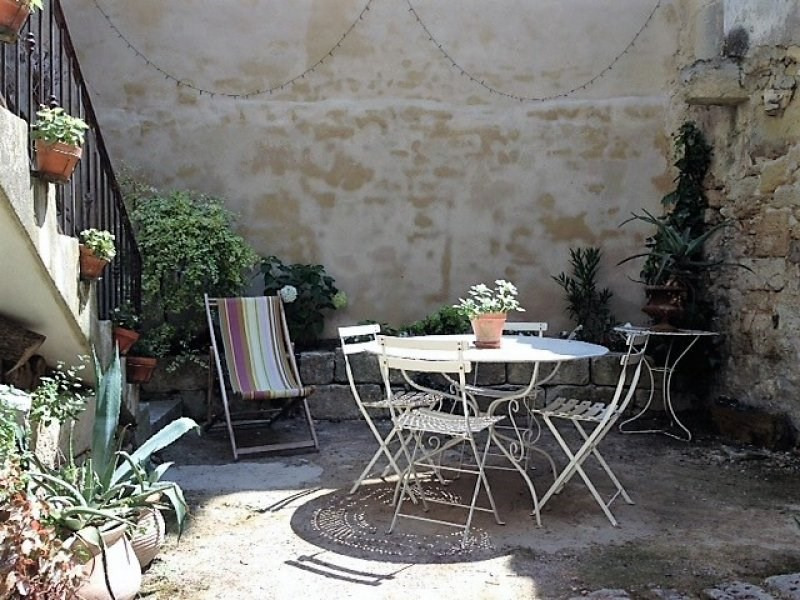 Sale house / villa Barbentane 260 000€ - Picture 1
