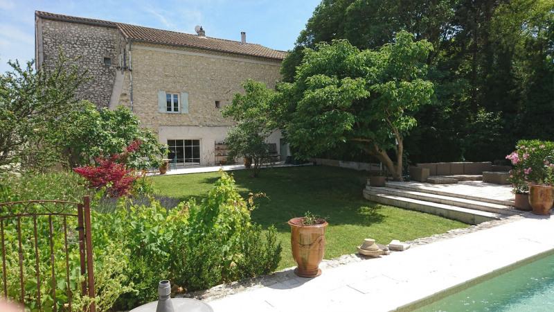 Deluxe sale house / villa Vedene 699000€ - Picture 1