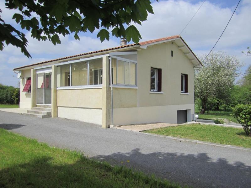 Sale house / villa Barbezieux-saint-hilaire 162750€ - Picture 2