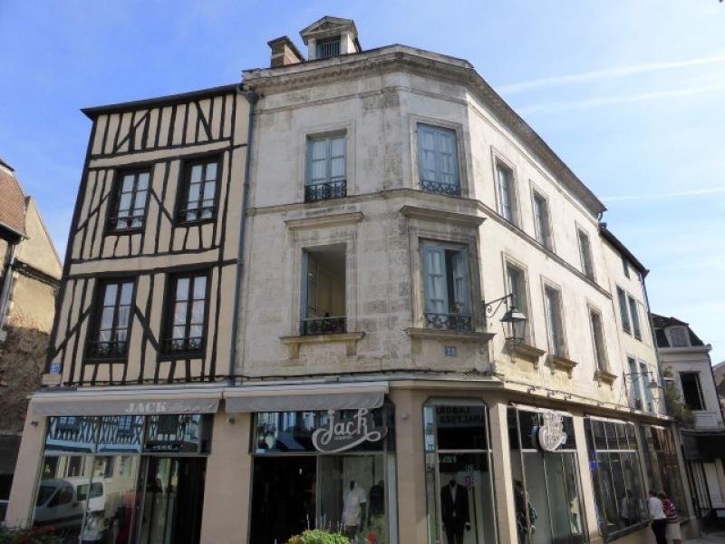 Sale building Auxerre 750000€ - Picture 1