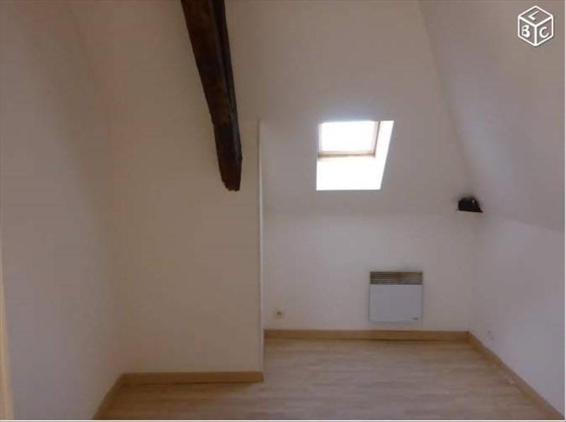Rental apartment 24700 339€ CC - Picture 2
