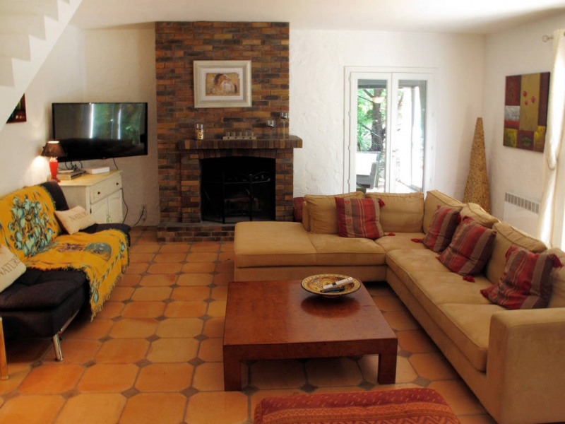 Vente maison / villa Bagnols-en-forêt 590000€ - Photo 10