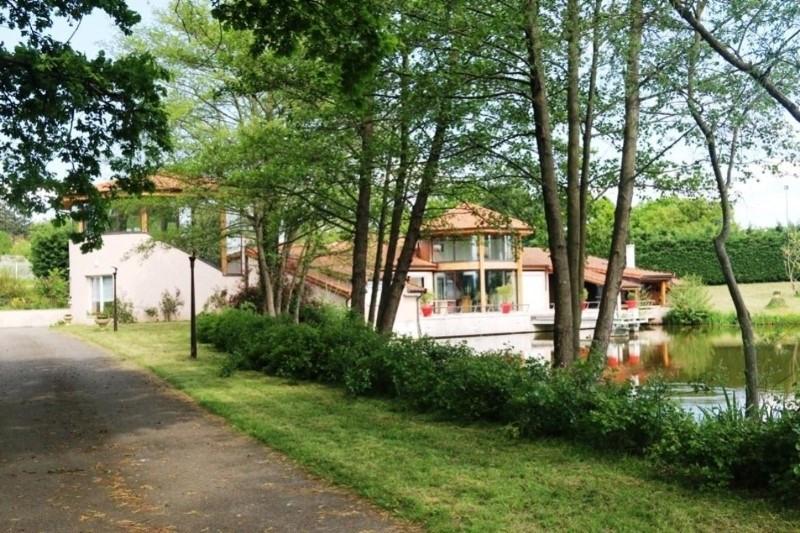 Vente de prestige maison / villa Saint-vincent-de-boisset 735000€ - Photo 3