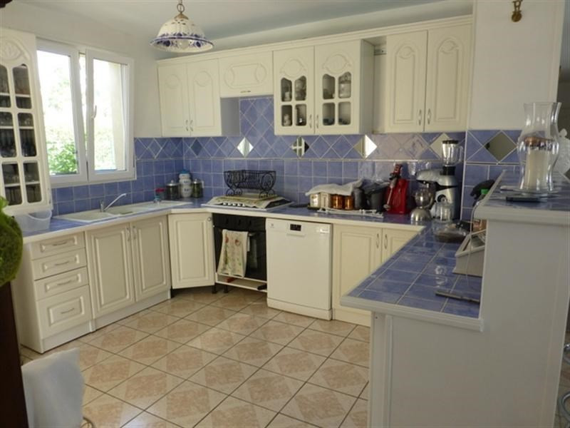 Sale house / villa Saint-jean-d'angély 172000€ - Picture 3
