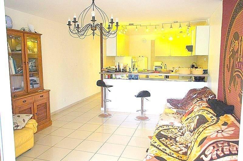Venta  apartamento St gilles les bains 267800€ - Fotografía 3
