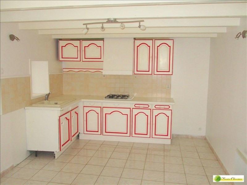 Rental apartment Ruffec 310€ CC - Picture 1