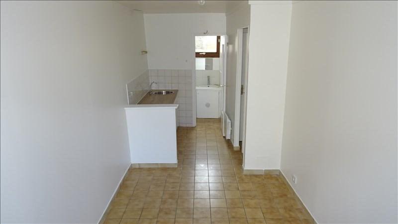 Rental apartment Saint-germain-lès-corbeil 500€ CC - Picture 2