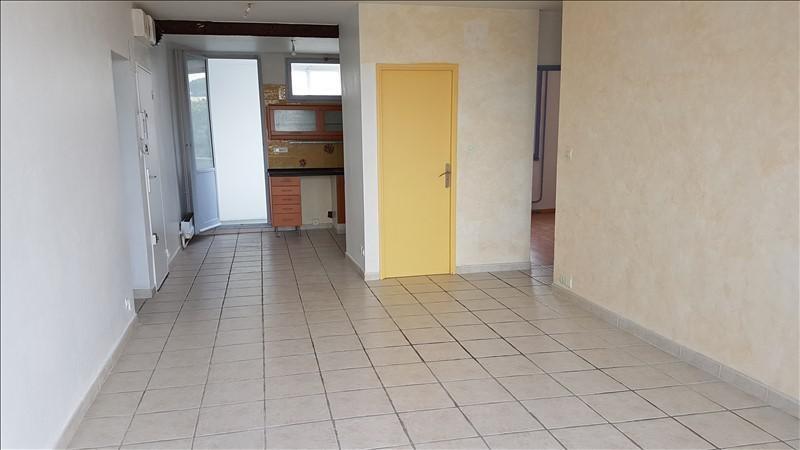 Rental apartment Salon de provence 650€ CC - Picture 1