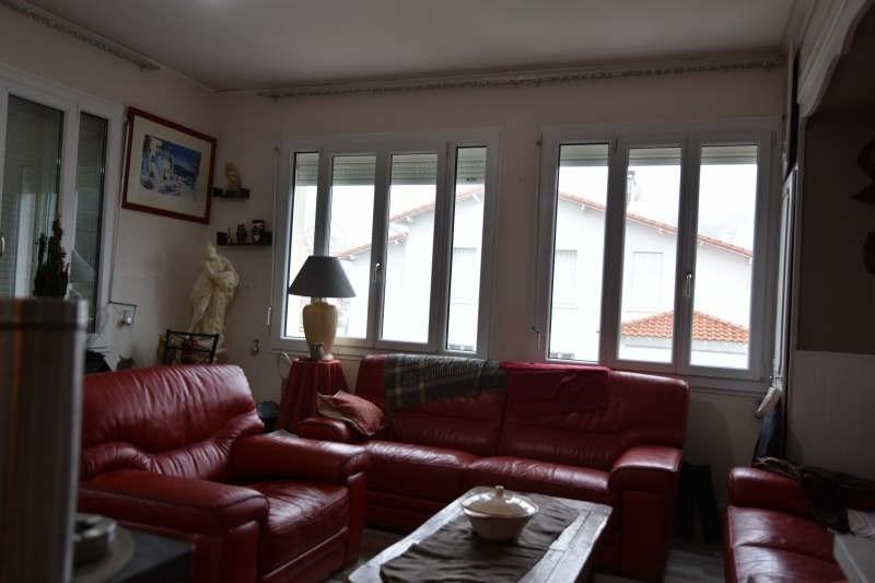 Sale apartment Royan 151000€ - Picture 1