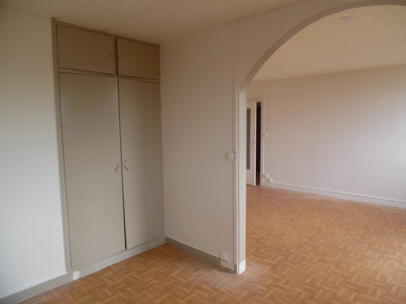 Sale apartment Poissy 138000€ - Picture 2