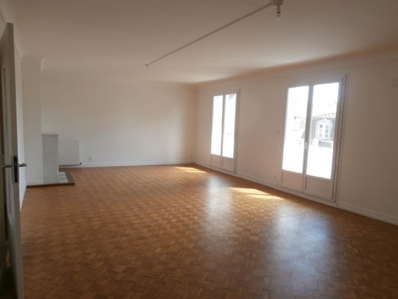 Rental apartment Bergerac 830€ CC - Picture 1